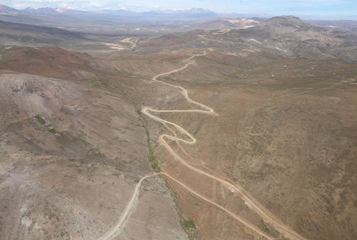 El proyecto de integración vial Tacna – La Paz, tramo Tacna – Collpa, dinamizará las actividades económicas, comerciales y turísticas de Perú y Bolivia. | The road integration project Tacna - La Paz, stretch Collpa, will activate economic, trade and tourist activities in Peru and Bolivia.