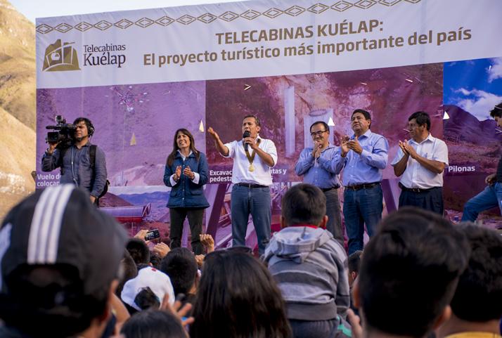 Presidente Ollanta Humala visita el sistema de telecabinas Kuélap, que contribuirá a mejorar el turismo en Chachapoyas | President Ollanta Humala visits the Kuelap cable car system which will improve the tourism in Chachapoyas.