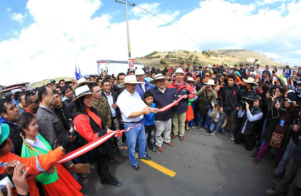 President Ollanta Humala inaugurated construction of 26 km of the La Encañada-Celendín road